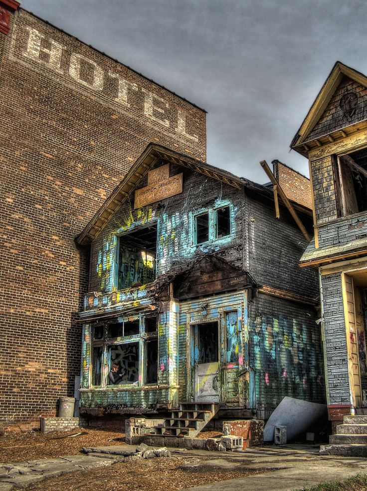 https://flic.kr/p/8Px4JW | Art House Detroit | This house opposite Michigan Central Station was the victim of an arson attack. The back of it has been almost completely burnt down. It's now being turned into a space for conceptual art.  HDR created from 5 exposures and tonemapped with Photomatix.