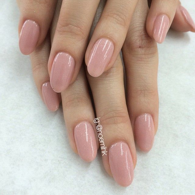 """Natural Gels for Tiffany using #PrestoGel #107 reshaped her squares into ovals.❤️ @enameldiction"""