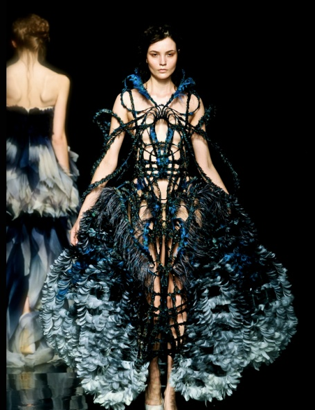See Photos And Get The Cuts Perspective On Yiqing Yin Couture Collection Find This Pin More Inspiration