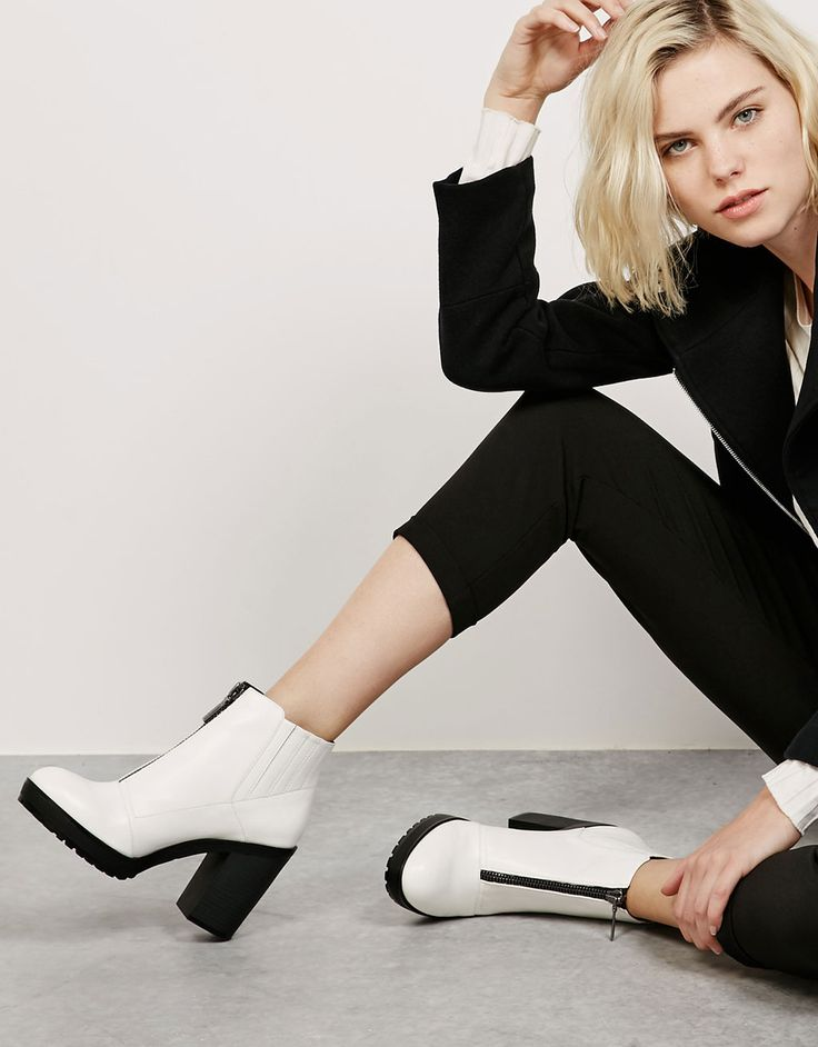 Heeled ankle boots with front zipper - View All - Bershka Romania