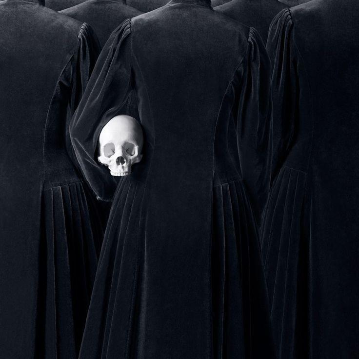 анонимной туристки картинки готика монахи глянцевая пленка поможет
