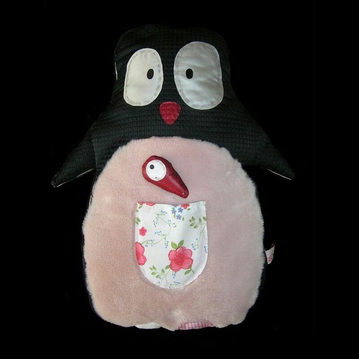 Bob Frost Ο Bob είναι ένας πιγκουίνος που του αρέσουν πολύ τα ψαράκια και γι' αυτό και έχει πάντα ένα μαζί του! Συνήθως το κρύβει στο τσεπάκι που έχει στην κοιλιά του. Διαστάσεις: 45εκ Χ 52εκ