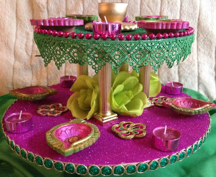 Hand crafted Mehndi plate, double plate in vibrant pink and green. Please see my Facebook page www.facebook.com/mehnditraysforfun