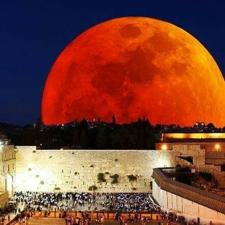 Blood moon at the Wailing Wall                                                                                                                                                     More