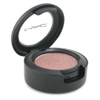 MAC Sable Eyeshadow, one of my favorite crease colors!