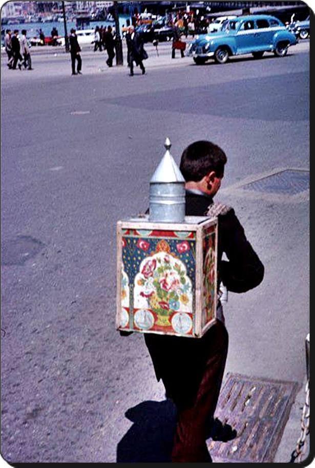 Sucu - 1965 Eminönü  (Charles W. Cushman)