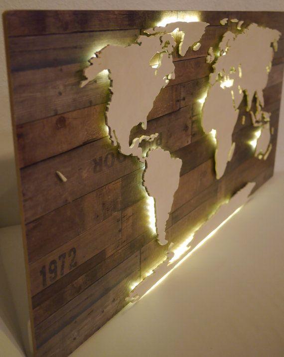 Beleuchtete XXL Weltkarte aus Holz Vintage Look mit von merkecht