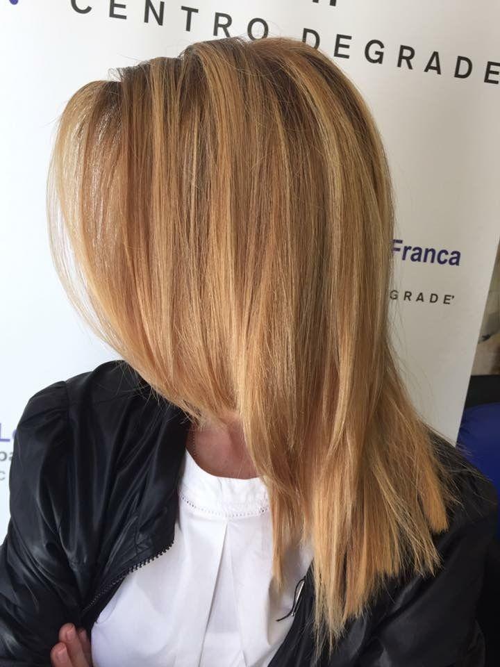 Degradè personalizzato! Lucentezza e armonia di colori lo contraddistinguono! #degradè #fashion #haircut #newlook #hairfashion #wella #haircolor #davines #sustenaiblebeautypartner #looklivefrancaparrucchieri #centrodegradè #ragusa #viadeimirti29