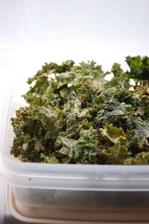 Vegan Un-cheese Tahini Kale Chips + Nesco Dehydrator Review | Book of Yum