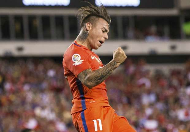 Clutch Eduardo Vargas makes Chile an imposing foe as Mexico looms