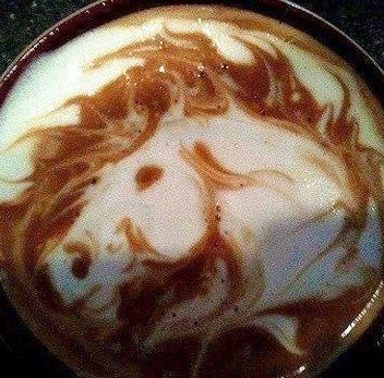.·:*¨¨*:·. Coffee ♥ Art.·:*¨¨*:·. Horse. I might drink coffee if it looked like that every time =P
