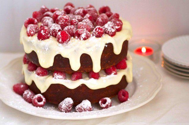 Een prachtige taart en ook nog eens onweerstaanbaar lekker. Snel gemaakt, dus ideaal voor de Kerstdagen!