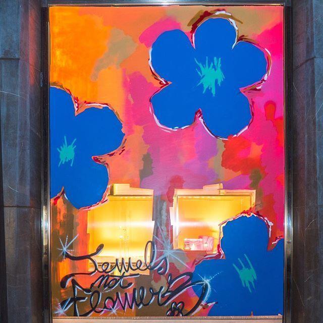7 ventanas de Bulgari  pintadas por un día de arte urbano,temática de flores. Roma, Milán, París, Londres, Nueva York, Tokio y Hong Kong – Nueva York, WERC; en Tokio, MANGA DESIGN LAB; en Hong Kong, ANO; en Londres, LUCA DE GRADI NOTTE; en París, STUART SEMPLE; en Milán, DIEGO VERONESI; y en Roma, la boutique insignia de Bulgari será adecuadamente decorada por LUCAMALEONTE, un artista contemporáneo italiano conocido por sus creaciones realistas inspiradas en la naturaleza y el arte antiguo.