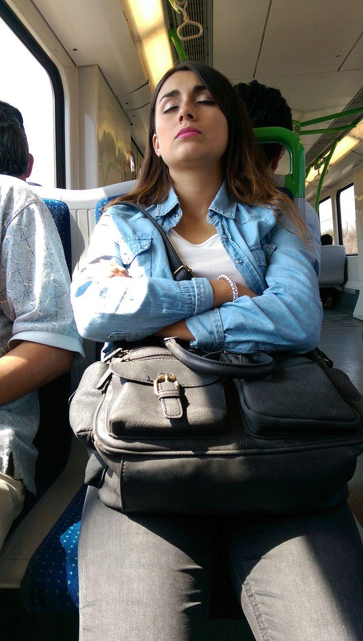 https://flic.kr/p/STihnb | Limache023 | Pasajera del Metro de Valparaíso, Limache, Valparaíso, Chile.