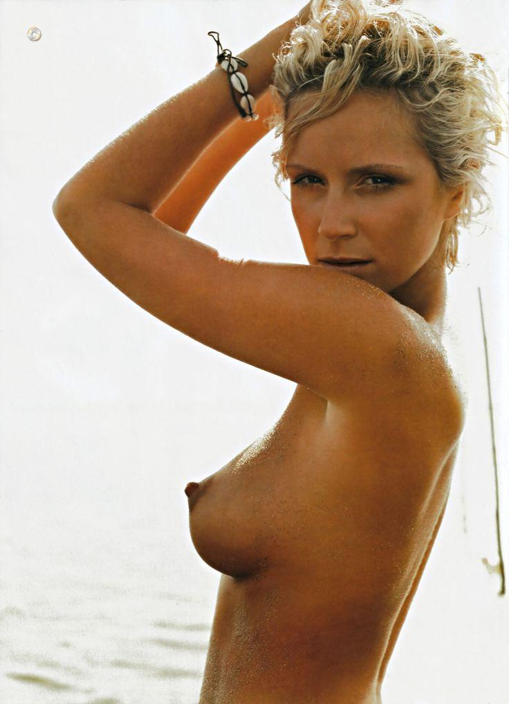 Monika Mrozowska - Playboy 10.2004 (1500×2071)