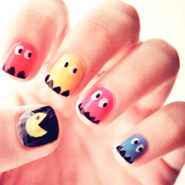 Pac Man !! 80s nails!