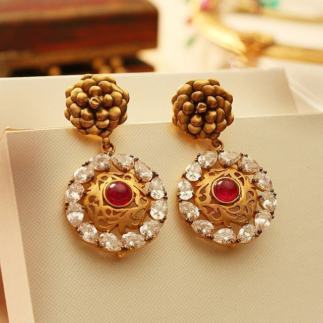 Spoil yourself with these earrings! #Gold #Earrings #Ruby #Jewellery #Manubhai #Mumbai #Borivali