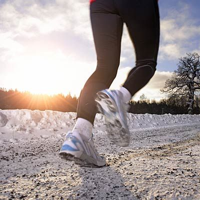 3rd tip for long runs during dark (and cold) winter days: Tweak your feet. #cardio #running | Health.com