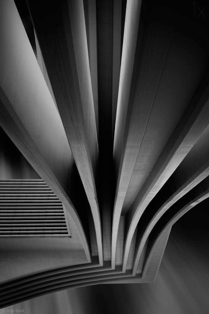 1X - Dark lines by Jose Beut