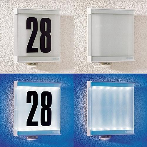czujnik ruchu z diodami led IS LED  Steinel  - biała IS LED to jedyna w swoim rodzaju estetyczna, innowacyjna kombinacja czujnika ruchu i podświetlonego numeru domu. IS LED za pomocą energooszczędnych diod podświetla numer domu oraz jako czujnik ruchu włącza i wyłącza dodatkowe oświetlenie. $95