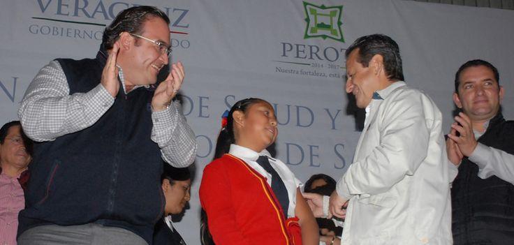 En la tercera Semana Nacional de Salud en Veracruz participan seis mil 427 voluntarios que llegarán a cada rincón del estado y se suman al trabajo de mil 609 vacunadores que son médicos y enfermeras que entregan talento y corazón para proteger vidas.