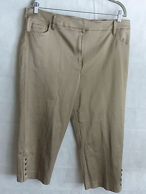 LARRY LEVINE WOMEN'S Crop CAPRI'S Pants with elastic and button and zip Size 18