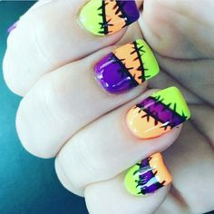 19 Amazing DIY Halloween Nail Art Ideas