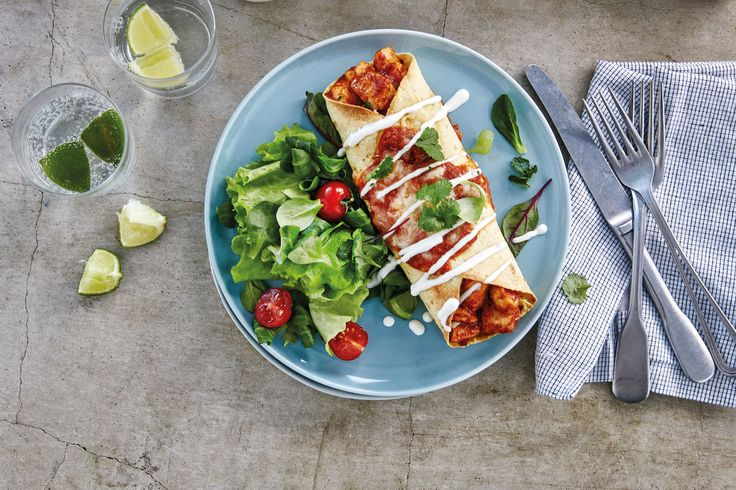 Enchilada oppskrift med velsmakende, kremet kylling. Rask og enkel å lage!