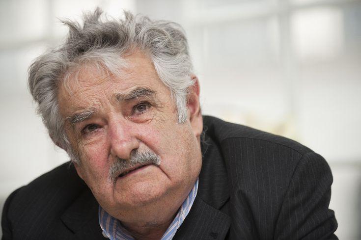 http://www.ilpost.it/2011/10/18/jose-pepe-mujica-uruguay/jose-mujica-presidente-uruguay-19/