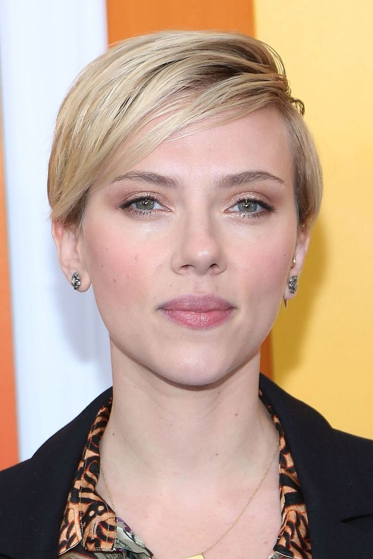 """Scarlett Johansson Says She Is """"Disappointed"""" With Ivanka Trump 