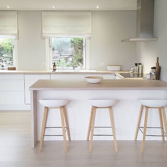 Inspiration to go clean my kitchen - the sunny home of @lingztagram
