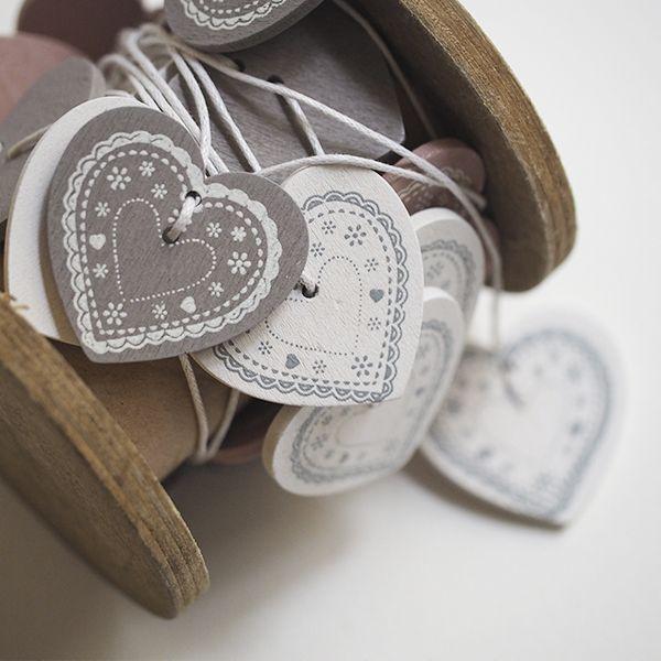 Guirnalda de corazones de madera