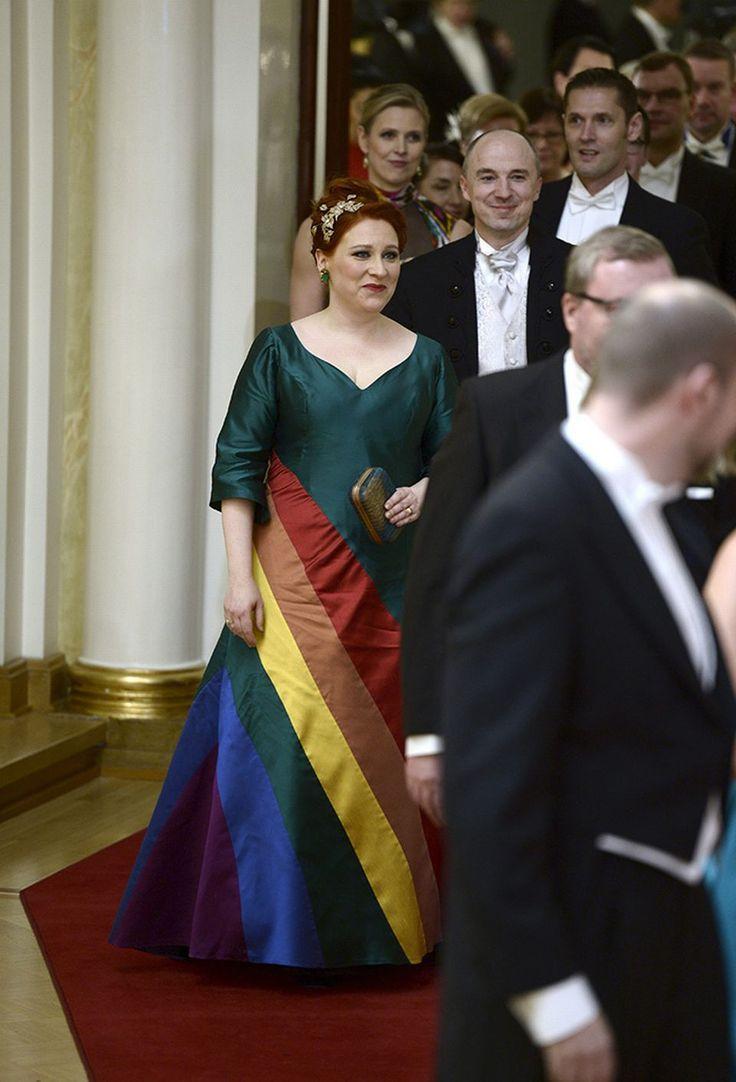 2015 -- Kuvagalleria: Pukuloistoa linnanjuhlissa | Yle Uutiset | yle.fi