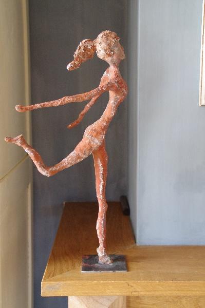 Finished girl with paverpol and artstone Door: Anja van der Veer