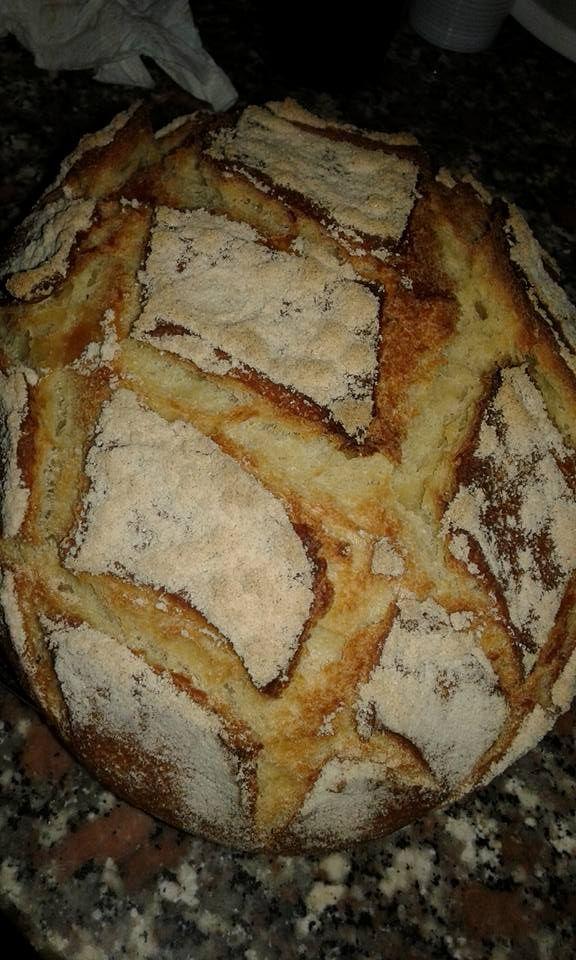 Secondo me ....ma anche secondo qualcun'altro che l'ha mangiato ....Sempre buono il mio Pane con semola Ecco la ricetta : Ingred