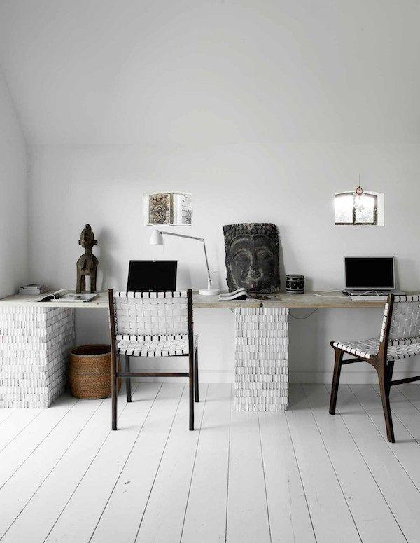 Workspace in a beautiful and unique bohemian farmhouse. Photography: Barbara Groen, styling: Marieke de Geus