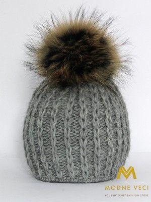 Dámska čiapka sivá s bambuľou z pravej kožušiny 3087/60