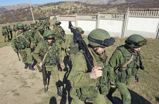 Rusko podle informací amerického deníku The New York Times tajně rozmístilo nové střely s plochou dráhou letu, a to přes americká varování, že tím poruší dohodu o zákazu raket středního doletu. Část z nich se nachází na zkušební střelnici Kapustin Jar na jihovýchodě evropské části Ruska.