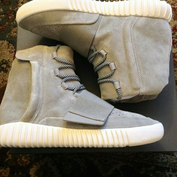 I just added this to my closet on Poshmark: Kanye west adidas shoes. Price: $800 Size: 7