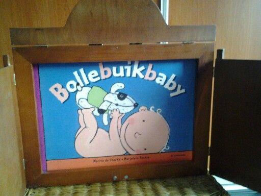 Vertelplaten voor het verteltheater van het boek bollebuikbaby