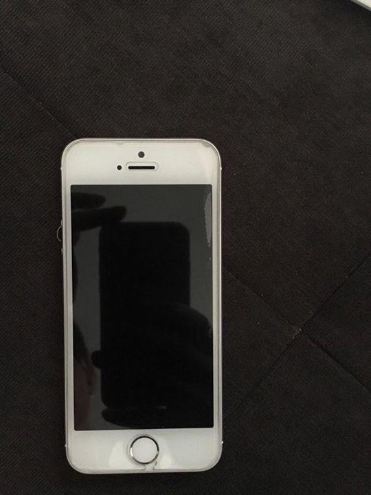 #Verkaufe #hier #mein iPhone 5s 16 #GB #in #weiss #Silber. #Das #Hand... #Verkaufe #hier #mein iPhone 5s 16 #GB #in #weiss #Silber. #Das #Handy wurde #im #April 2016 gekauft #und #ist #in #einem neuwertigen #Zustand.  (Die Macken #die #auf #den Bildern #zu #sehen #sind befinden #sich lediglich #an #der Panzerglas Folie)   180€ #VB  Dies #ist #kein Notverkauf #und #Tausch #ist ausgeschlossen !!  Abholung http://saar.city/?p=57443