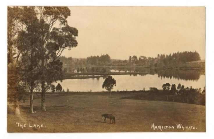Real Photograph of The Lake Hamilton. - 45753 - Postcard - Postcards Waikato - Postcards New Zealand - Postcards By Country - EASTAMPS