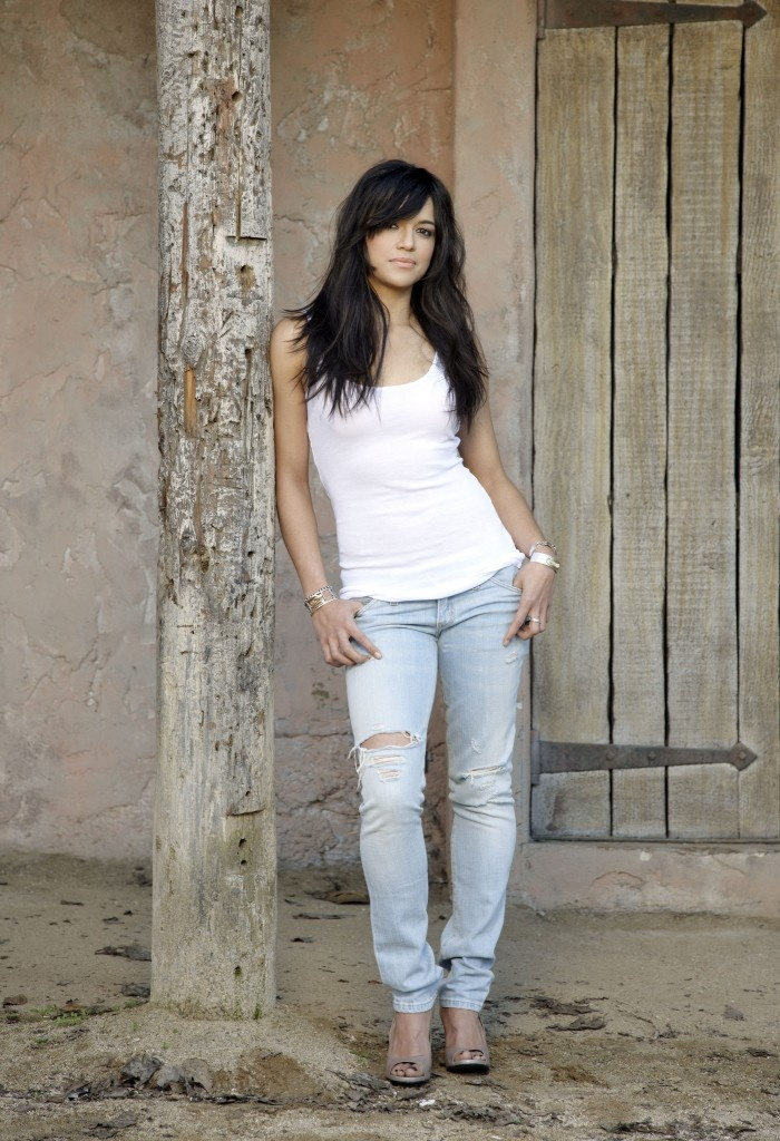 Michelle Rodriguez is half Puerto Rican and half Dominican - she has starred in LOST, Halo 2, The Fast and the Furious, Resident Evil, Avatar, etc...