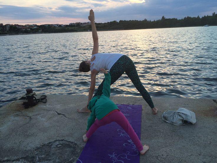 Yoga för barn och vuxna i Nin Kroatien