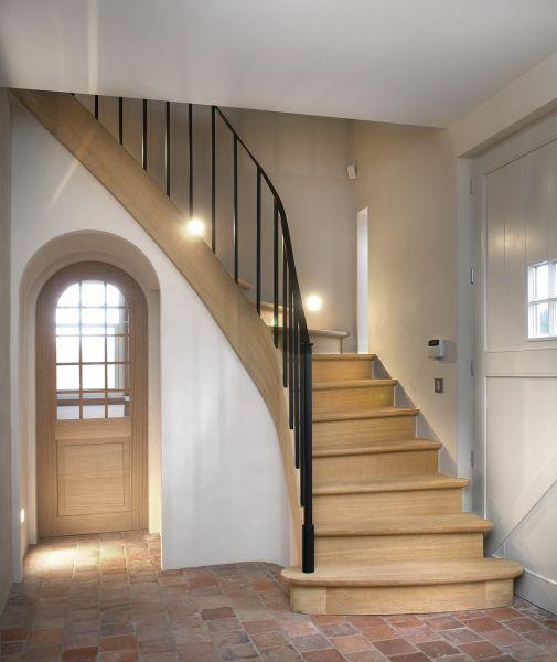 25 beste idee n over smeedijzeren trappen op pinterest ijzeren trap en smeedijzeren leuningen - Houten trapontwerp ...