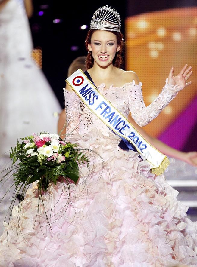 La Miss France 2012 Delphine Wespiser a décidé de ne pas participer au concours de Miss Univers