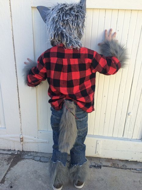Werewolf Costume With Simple Animatronic Wagging Tail