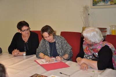 7 travailleurs des Ateliers d'ETRAN , ont signé lundi 21 septembre leur lettre d'engagement dans le dispo...