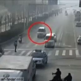 Bizarre accident   Gif Finder – Find and Share funny animated gifs