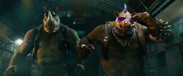 Ninja Kaplumbağalar: Gölgelerin İçinden (2016) İzle: http://www.sinemagecesi.com/ninja-kaplumbagalar-golgelerin-icinden-izle.html Özet: Çılgın bilim adamı Baxter Stockman ve yancıları Bebop ve Rocksteady ile dünyayı ele geçirmek için güçlerini birleştiren Shredder'la yüzleştikten sonra, Kaplumbağalar, daha büyük bir düşmanla yüzleşmelidir: kötülüğüyle nam salmış Krang.